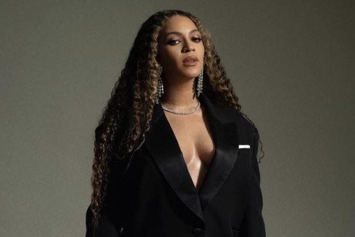 Beyoncé L'Oréal paris Lightweight Matte Colored Ink