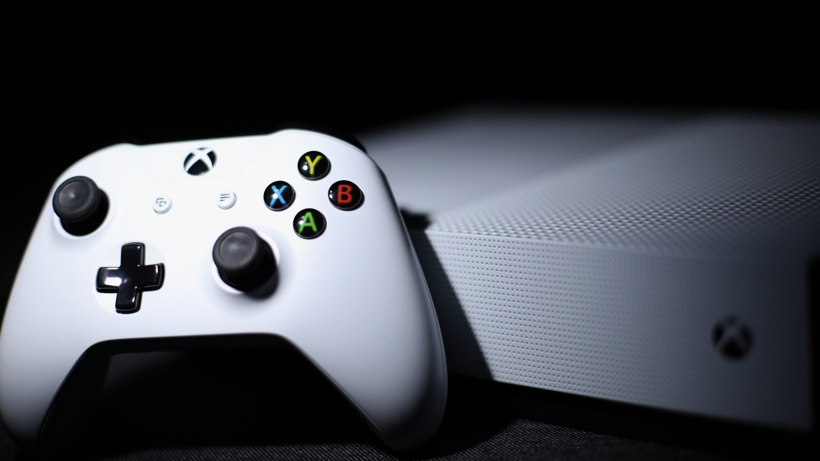These Xbox gaming consoles bundles are currently on sale