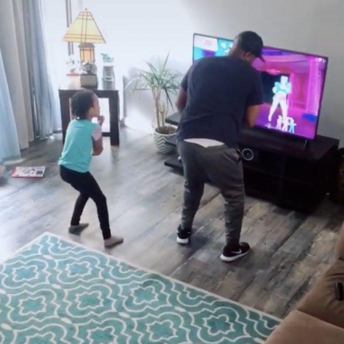 dancing dad and daughter tiktok
