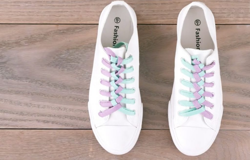step by step shoelace designs