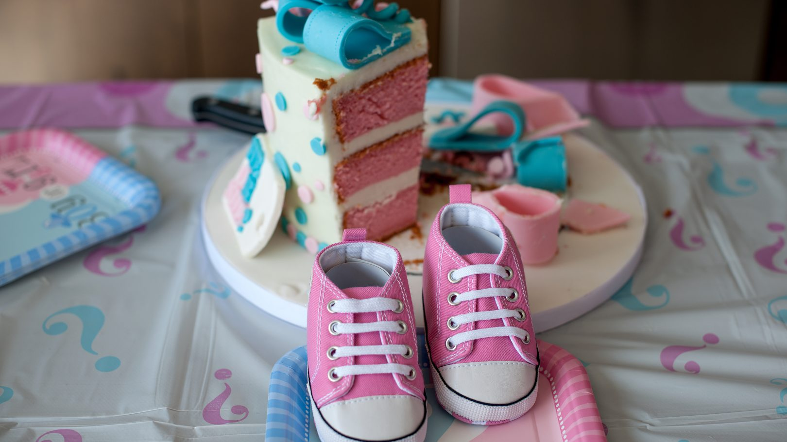 Gender reveal parties: Doctor reveals why we should ditch the tradition