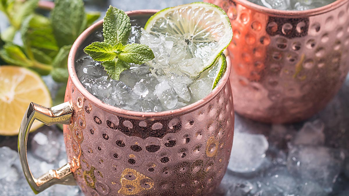 Low-sugar, low-calorie cocktails that are perfect for warm weather