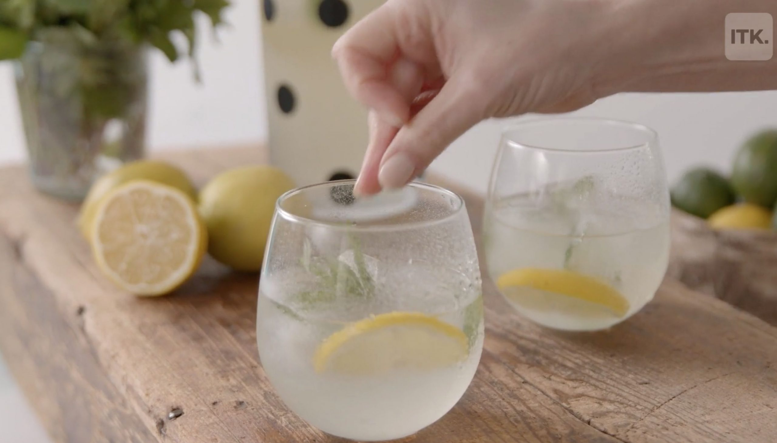 Kick off your summer with this vodka mint lemonade